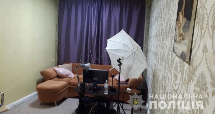 """Вот и сказочке конец: в Днепре полиция """"накрыла"""" 3 борделя"""