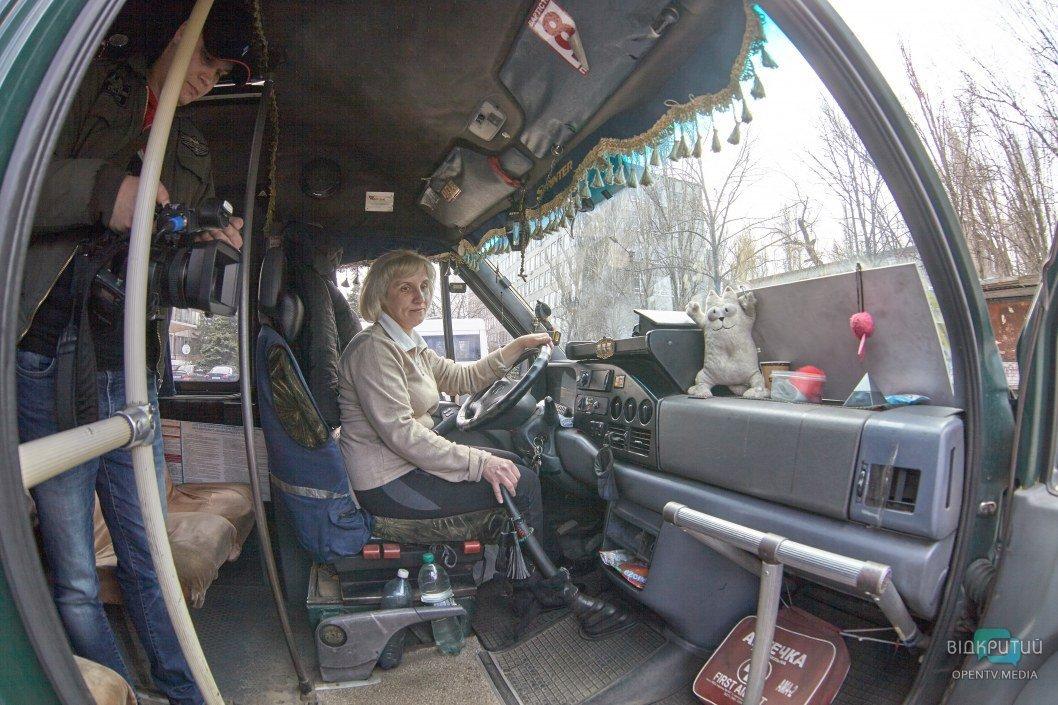 Водит маршрутку 5 лет: история днепрянки Валентины (ФОТО)