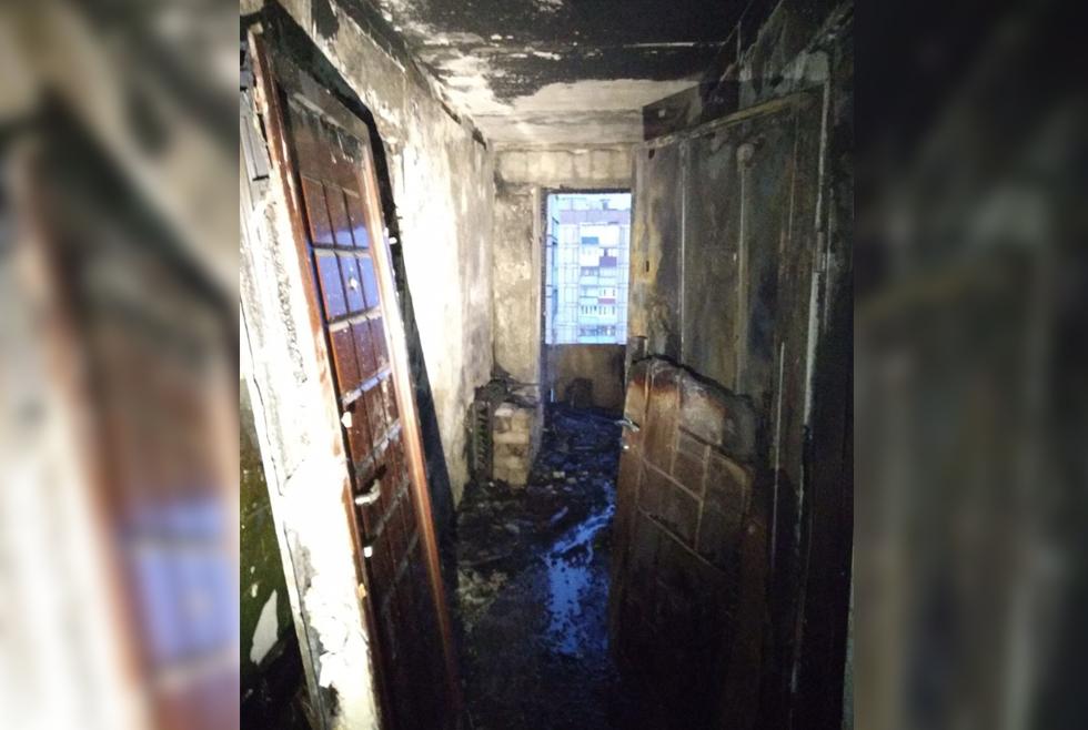 В Кривом Роге горела квартира: пожарные спасли семью с 3-летним ребенком