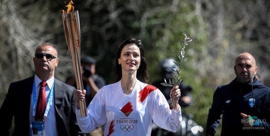 Коронавирус не помеха: олимпийский огонь торжественно передали Токио