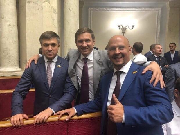 Второй пошел: еще один депутат Верховной Рады заразился коронавирусом