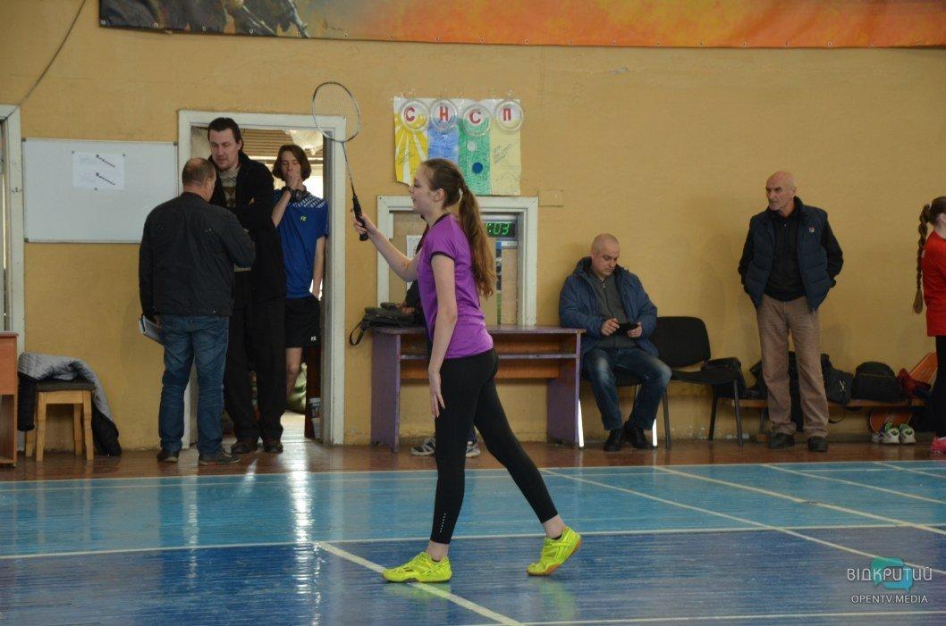 Анастасия играет партию со сложной соперницей