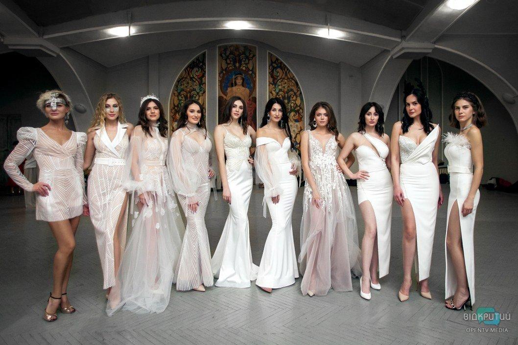 Одежда из конопли, Малефисента и танго: в филармонии прошел показ днепровских дизайнеров (ФОТО)