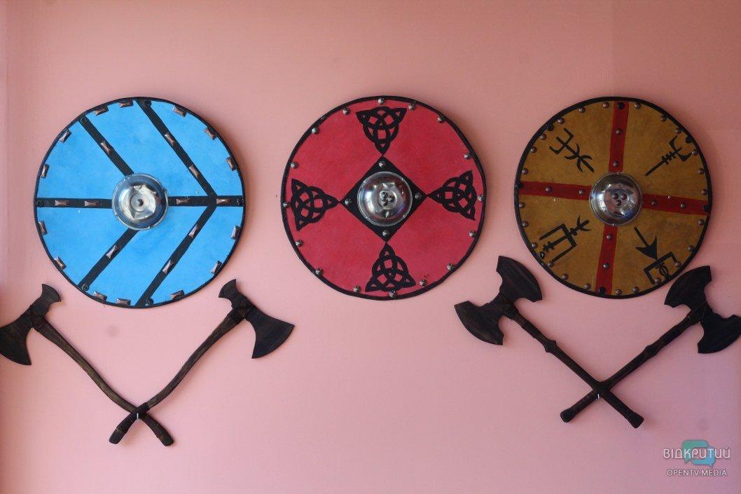 Скандинавские элементы в оформлении зала