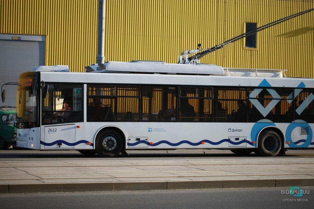 Пустые салоны троллейбусов
