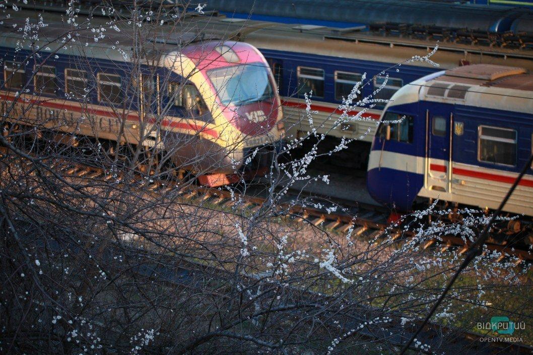 Карантин и Днепр: рейд по вокзалам, метро и троллейбусам (ФОТОРЕПОРТАЖ)