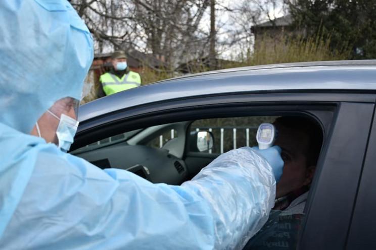 На блокпостах в Днепропетровской области круглосуточно дежурят медики