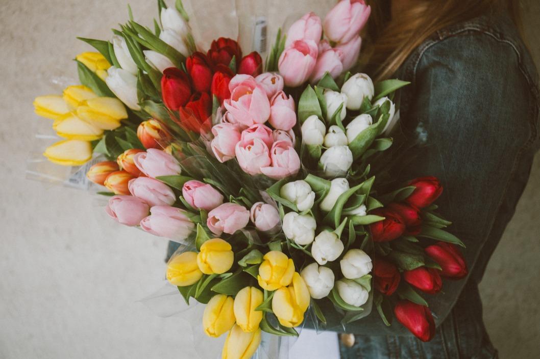 тюльпаны на 8-е марта