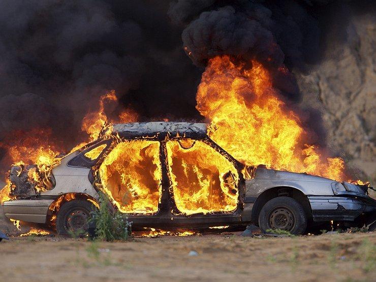 Под Днепром погиб водитель во время возгорания автомобиля