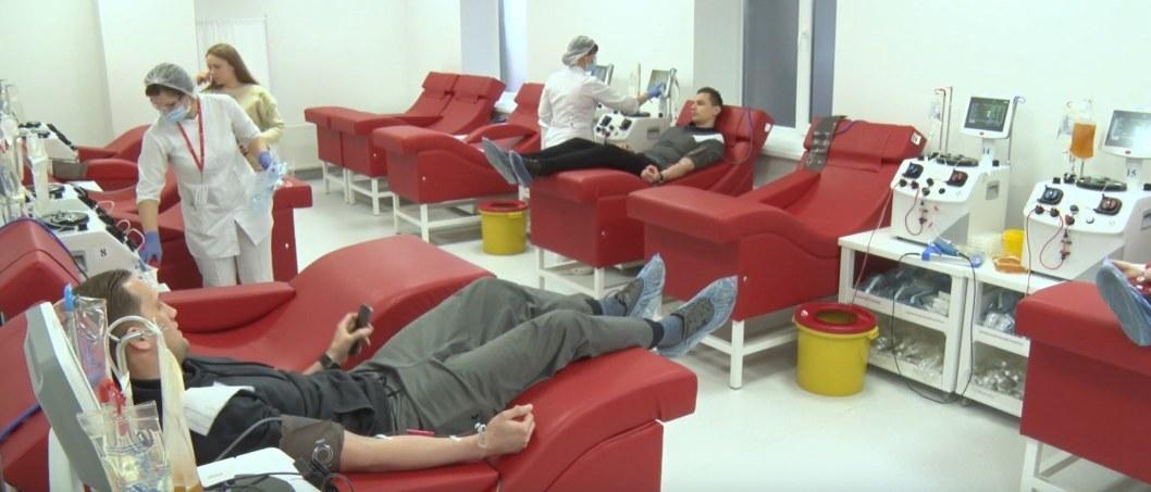 ВІДЕО: У Дніпрі спортсмени поділилися плазмою для обласної дитячої лікарні