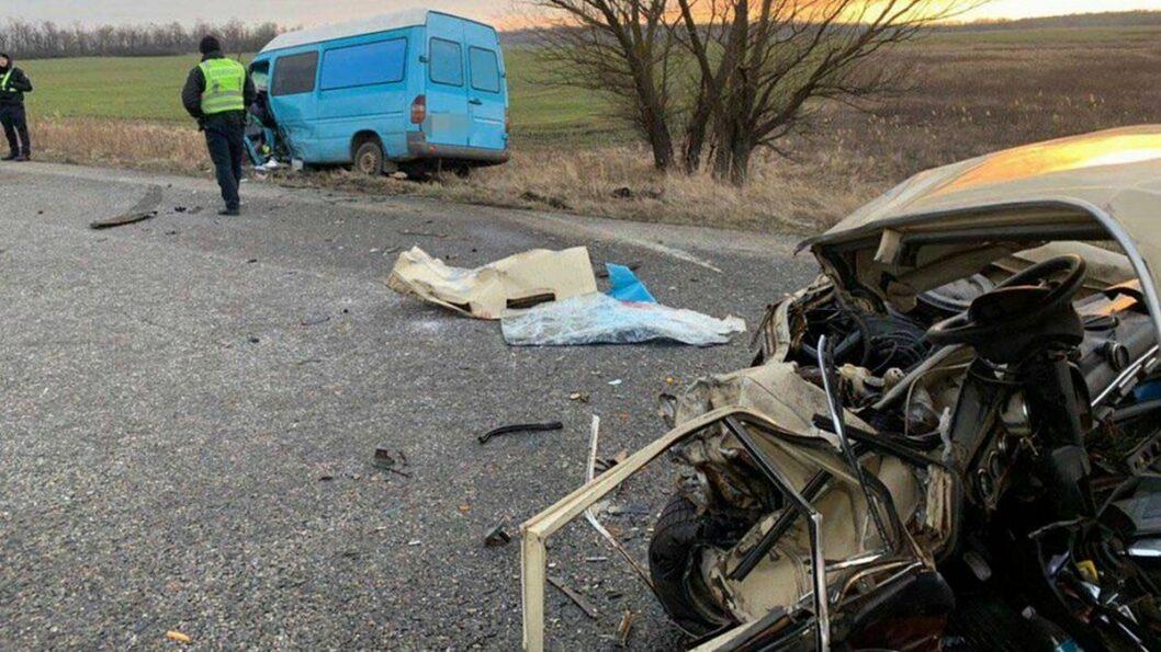 Автомобиль ВАЗ получил серьезные повреждения