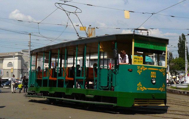 В Днепре два трамвайных маршрута изменят график движения