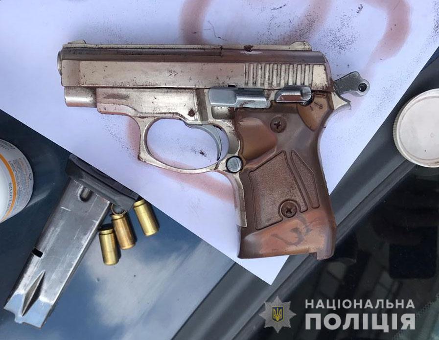 В Днепре полиция задержала преступников, которые грабили магазины