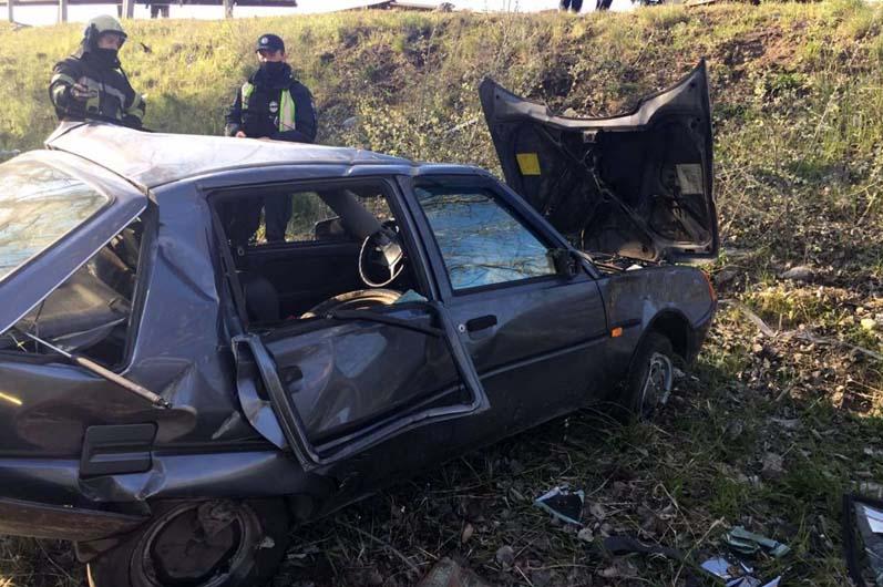 Под Днепром произошло смертельное ДТП: от удара перевернулась машина