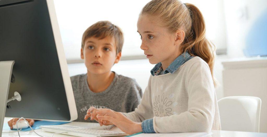 Дети учатся онлайн