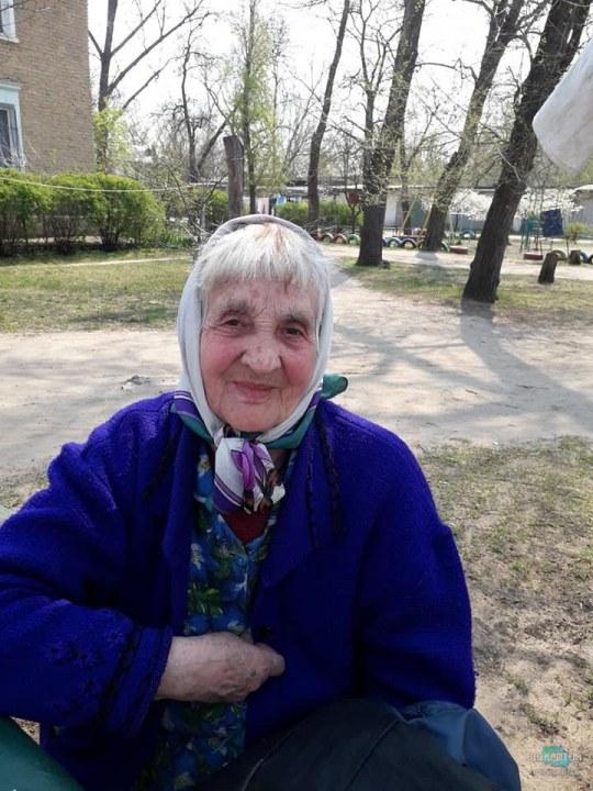 Сила Фейсбука: В Днепре потерявшуюся старушку вернули домой с помощью соцсетей