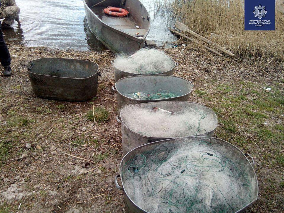 Рыболовецкие сети незаконных рыбаков