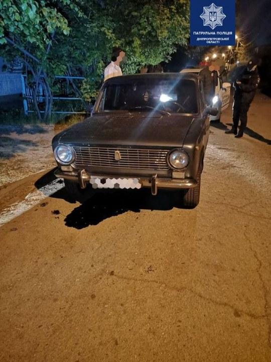 В Днепре пьяный иностранец пытался убежать от патрульных