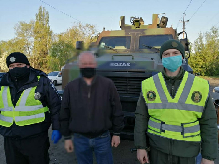 Под Днепром из города пытались убежать люди, которые контактировали с больным на COVID-19