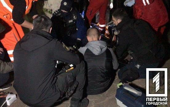 В Кривом Роге мужчина расстрелял молодую пару из дробовика, а спустя день совершил суицид