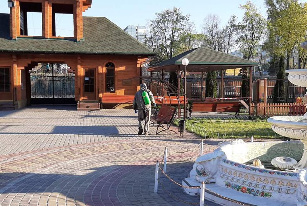 В Днепре спасатели обработали храм от коронавируса