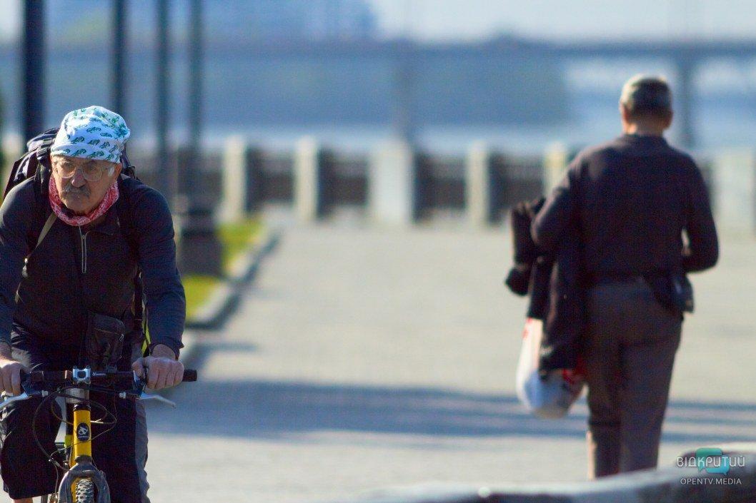 С введением карантина многие люди начали использовать велосипеды как альтернативу общественному транспорту