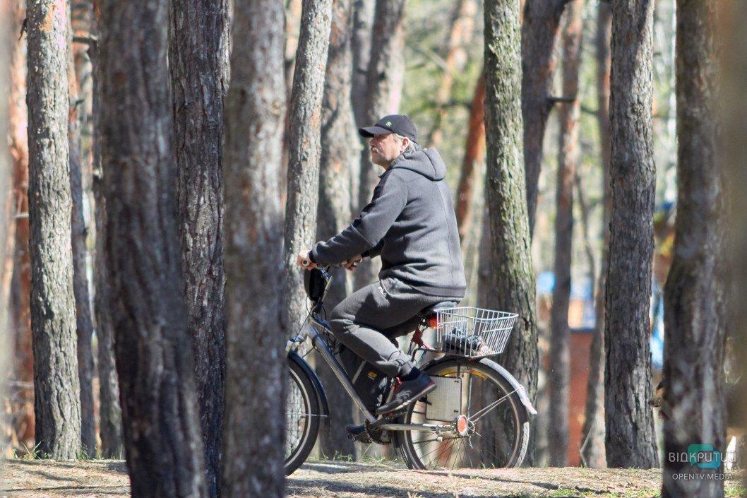 В Днепре с введением карантина много людей пересели на велосипеды