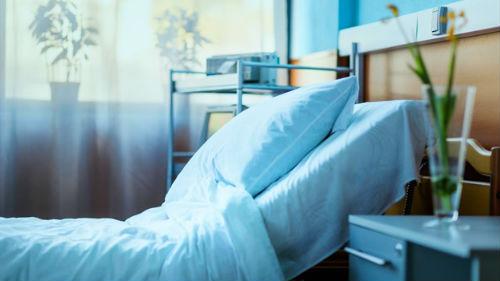 В Кривом Роге мать с двумя детьми с COVID-19 самовольно покинули больницу
