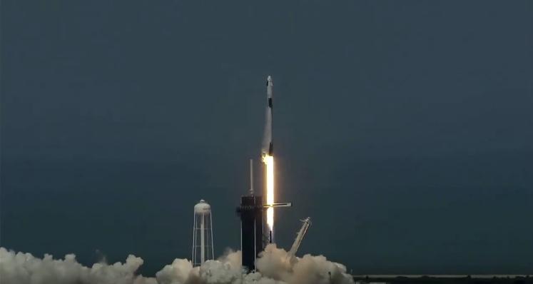 Исторический момент: Crew Dragon Илона Маска успешно стартовал