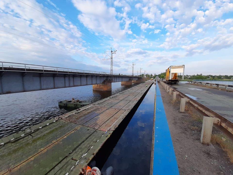 Мост построен: под Никополем завершили строительство понтонной переправы (ФОТО, ВИДЕО)