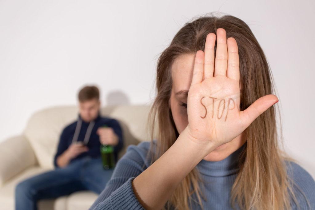Рост количества случаев домашнего насилия в Днепре: куда обращаться жертвам