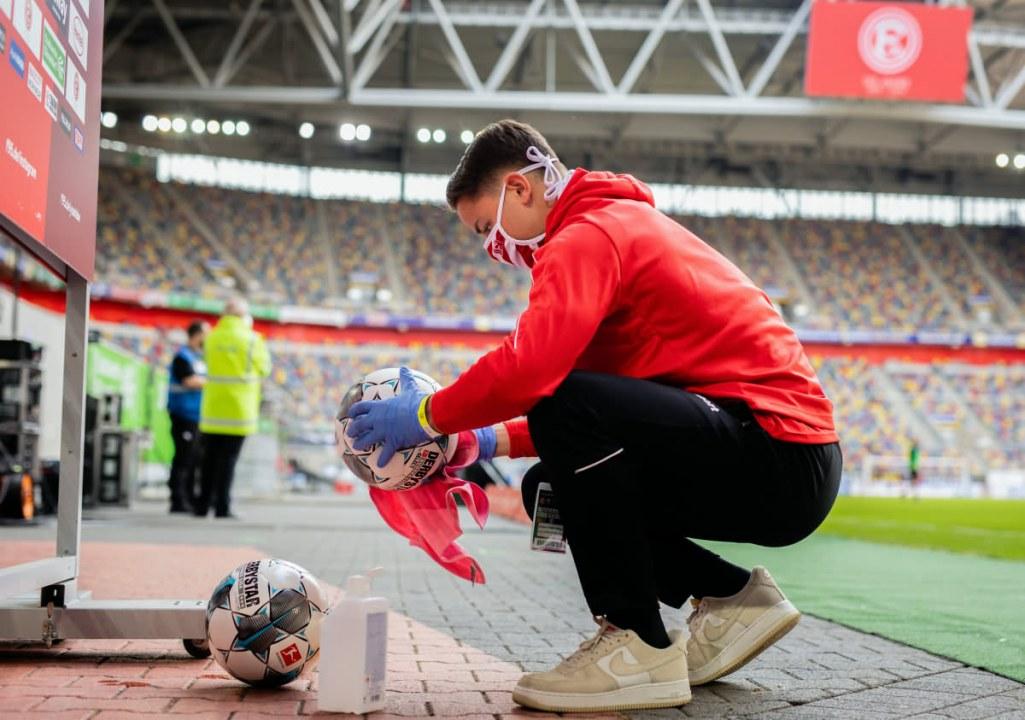 Бундеслига вернулась: как выглядит футбол в условиях коронавируса (ФОТО)