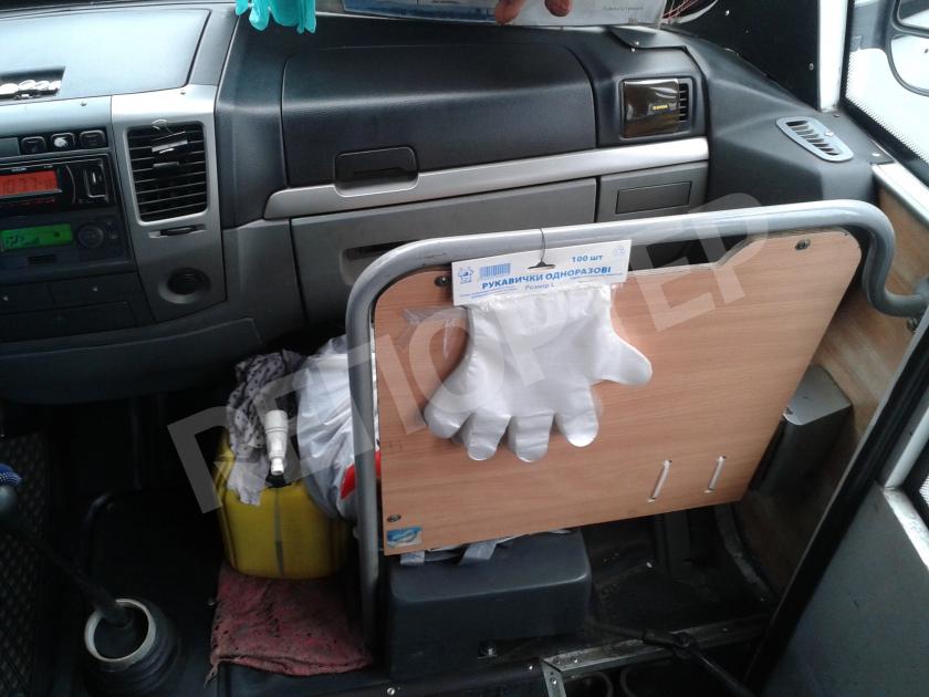 Бесплатные перчатки в днепровской маршрутке