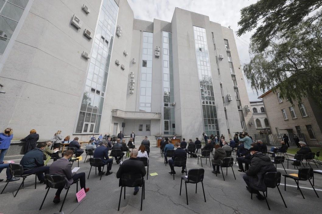 Вредные выбросы предприятия «Потоки»: депутаты поддержали петицию днепрян