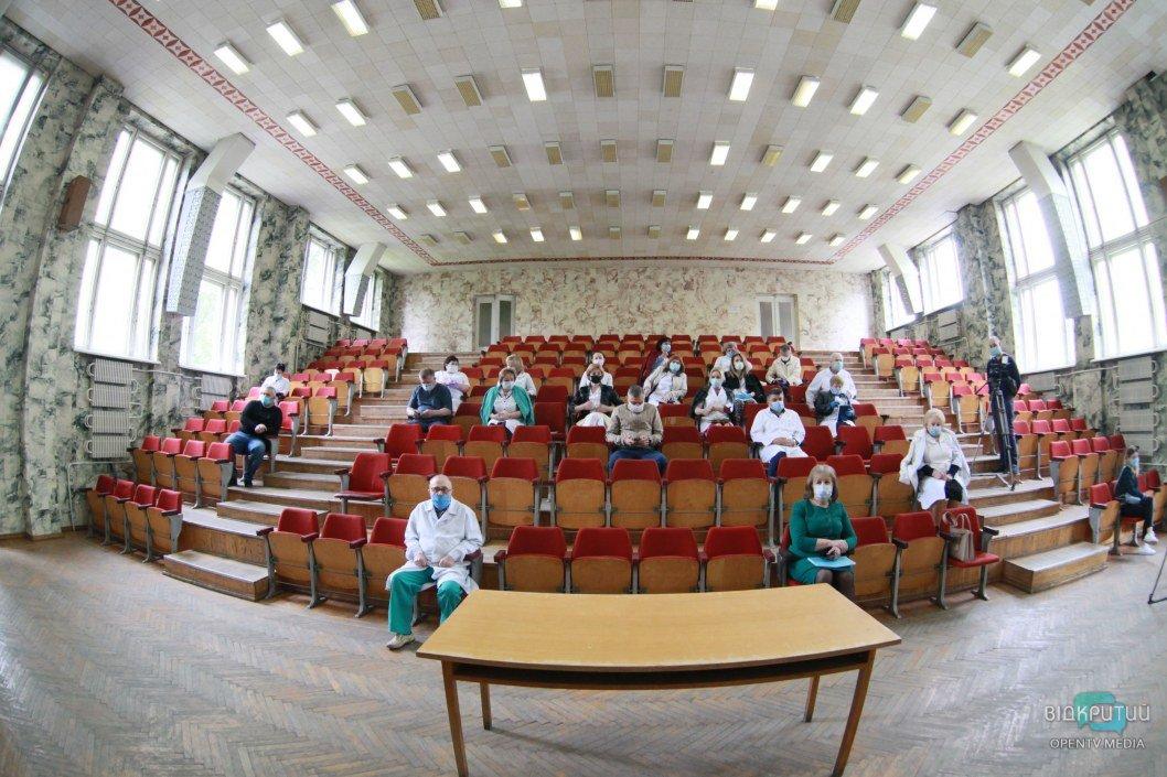 В Днепре назначили нового гендиректора железнодорожной больницы: будут ли сокращения среди медиков