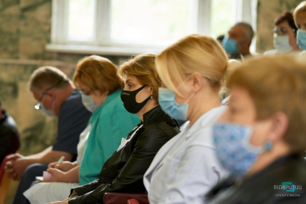 В Днепре назначили нового гендиректора железнодорожной больницы: будут ли сокращения среди медиков (ВИДЕО)