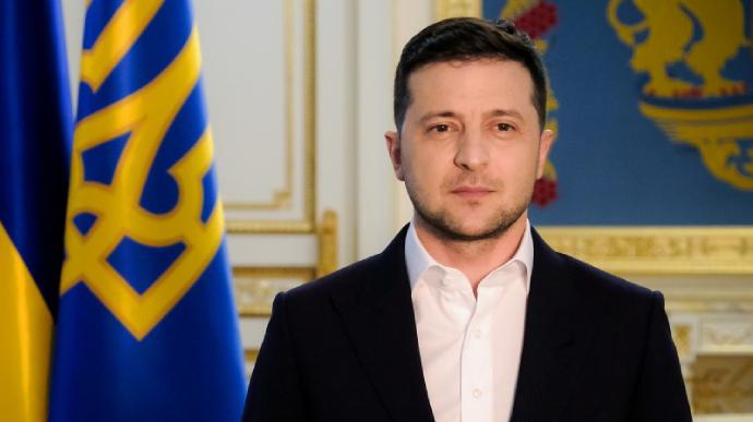 Судебный иск против президента Зеленского: мэр Черкасс требует 1 гривну
