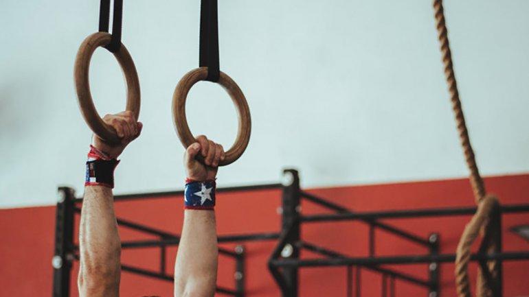 Сальто и кульбиты дома: как гимнасты Днепра тренируются во время карантина (ВИДЕО)