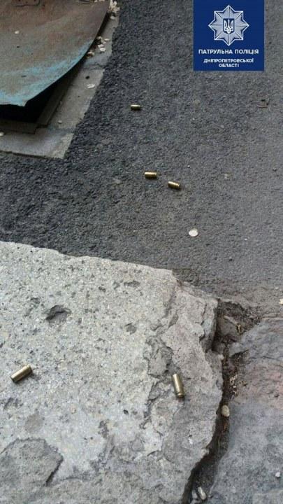 В Днепре 15-летний подросток стрелял по машинам из окна (ВИДЕО)