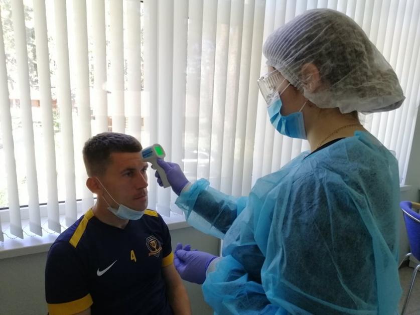 Как футболисты СК Днепр-1 прошли тестирование на коронавирус (ВИДЕО)