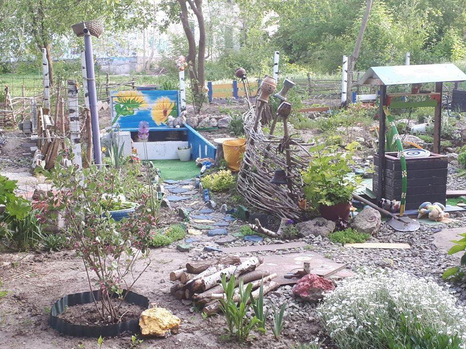 Украсили двор на Западном