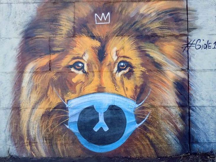 В Днепре на набережной царь зверей призывает горожан носить маски