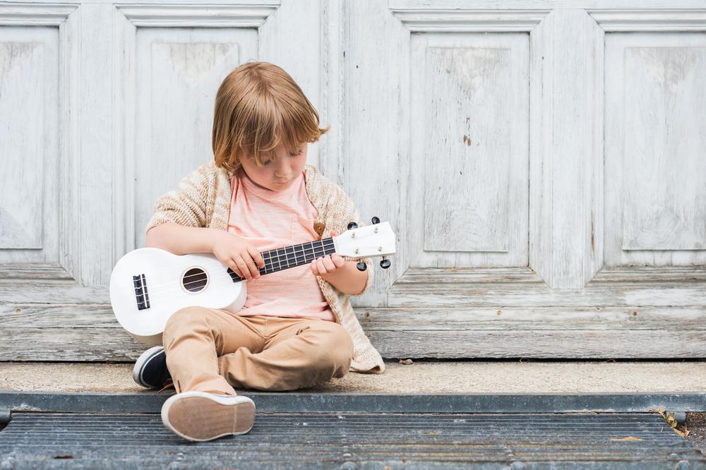 Карантин музыке не помеха: как талантливые дети из Каменского обучаются и участвуют в конкурсах онлайн (ВИДЕО)
