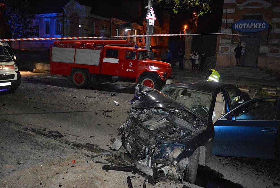 В Днепре произошло серьезное ДТП: есть пострадавшие