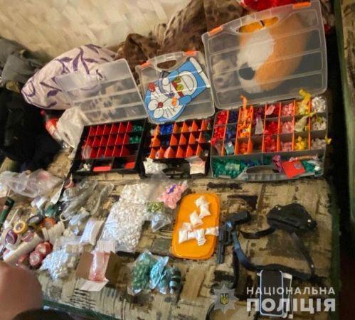 Наркотиков на миллион гривен: в Новомосковске задержали крупного торговца запрещённым