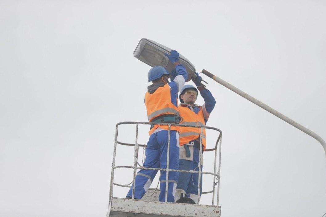 Более чем на 100 улицах Днепра в этом году восстановили и модернизировали наружное освещение