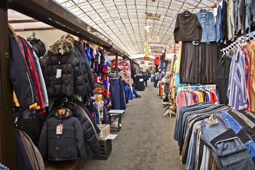 Непродовольственные рынки Днепра возобновили свою работу (ВИДЕО)