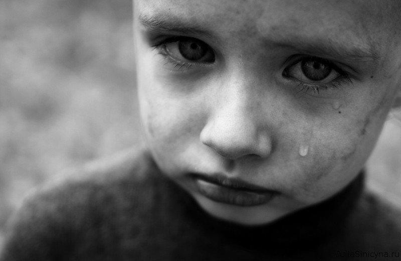 В Днепре 6-летний мальчик спас собственную мать и ее знакомых от передозировки наркотиками (ВИДЕО)
