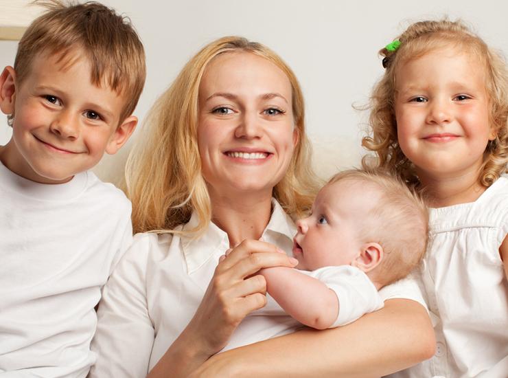 Мы – дети, в любом возрасте: как днепрянки отмечали День Матери-2020 (ВИДЕО)
