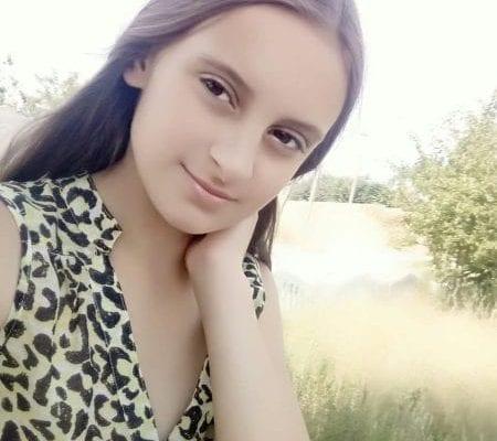 Девочку, которой отрезали голову, похоронили